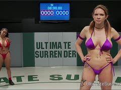 Latina Mit Großen Titten Legt Geile Show Hin