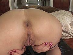 Muschi bilder große Vulva Bilder
